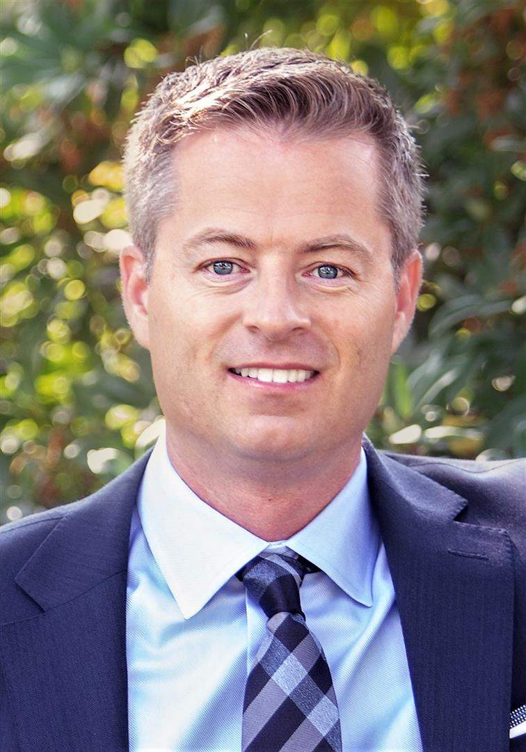 Chris McNeill  Personal Real Estate Corporation